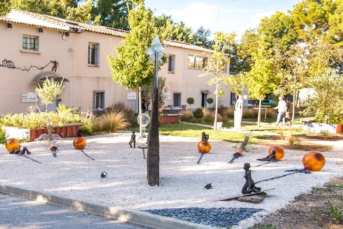 Sculptures d'artistes locaux dans Les Jardins de la Varappe - Aubagne 2015 - Architta, Sourski