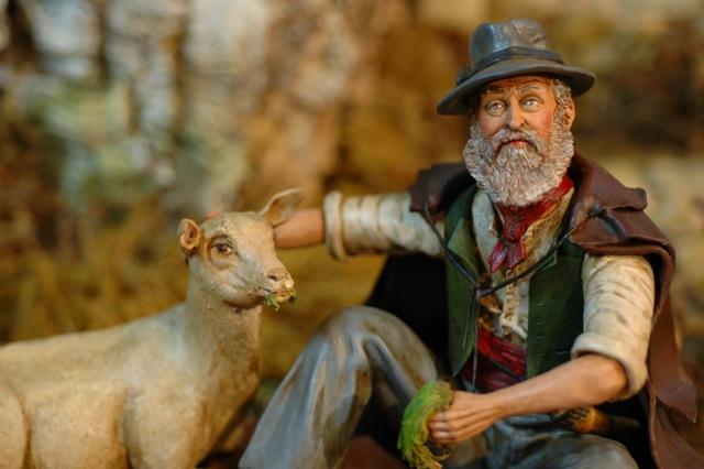 Exposition Daniel Scaturro, Maître santonnier et meilleur ouvrier de France - Le berger au mouton