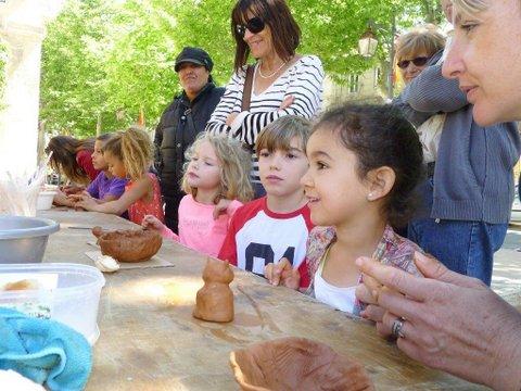 Marché potier de Châteaurenard (13) le 18 juin 2016 - céramique et poterie, animations enfants et démonstrations