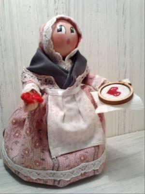 Martine Morino Les Cent tons de Mamie  santons naïfs habillés et accessoires de crèche 83480 Puget sur Argens