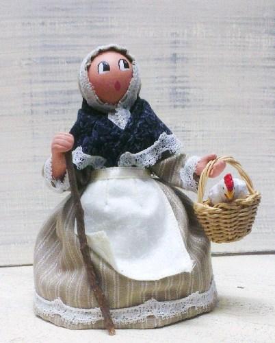 Les Cent Tons de Mamie, santons habillés et accessoires   Puget sur Argens