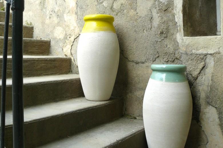 Marion et Julie Ravel Poterie Ravel Jarres et poterie de jardin Art de la table 13400 Aubagne