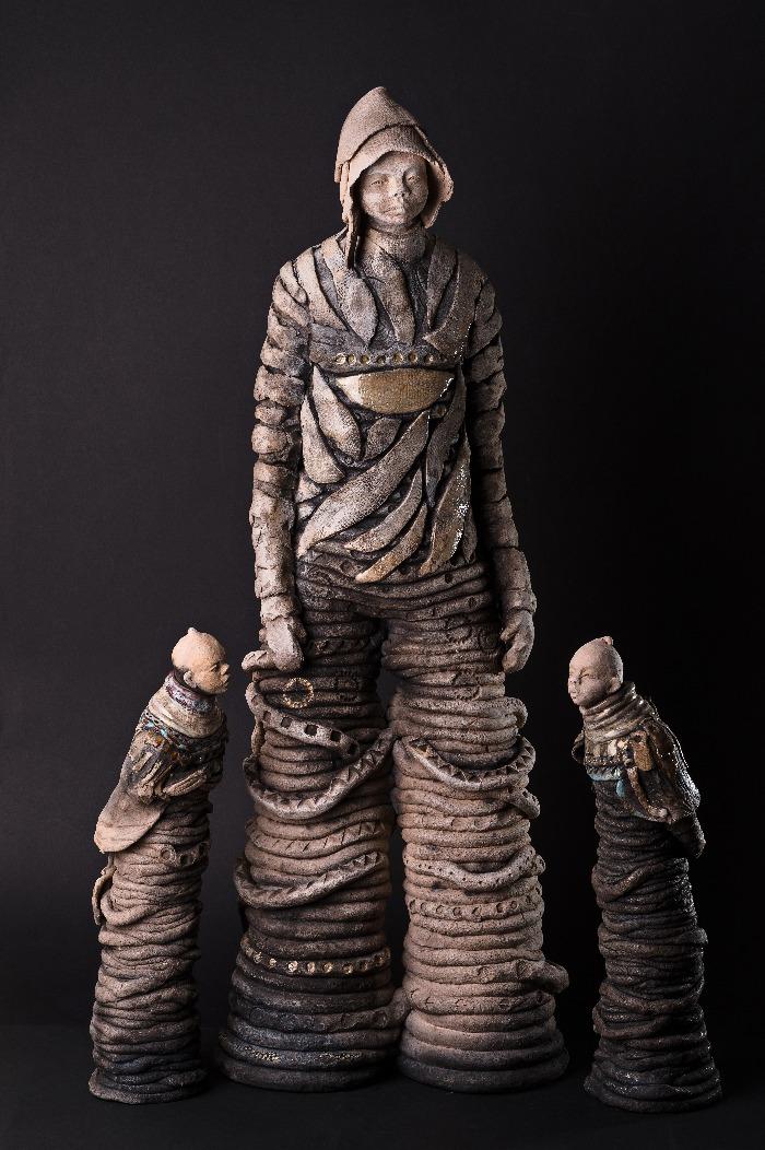 Sculpture céramique Jocelyne Saez-Simbola, Atelier du Moulin de l'Herm à Rosières, Haute-Loire