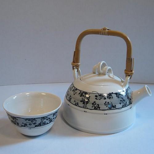L'atelier de Mathilde, céramique porcelaine - Art de la table et objets de décoration - St Siffret (Gard)